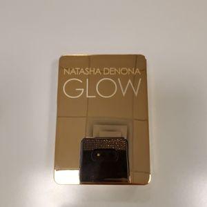 Natasha Denona all over glow face and body shimmer